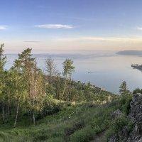 Камень Черского. Вид на исток Ангары и порт Байкал. :: Алексей Поляков