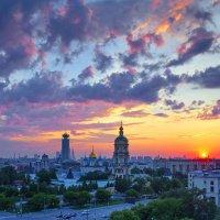 Новоспасский монастырь на закате дня :: Евгений Голубев