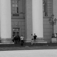 На ступеньках Большого... :: Татьяна Туркина