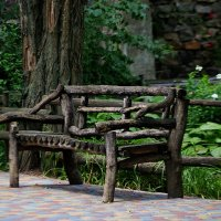 скамеечка в парке :: Александр Корчемный