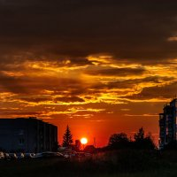 Закат в моём городе :: Анатолий Клепешнёв