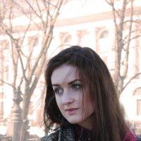 Девушка на Невском :: Наталья