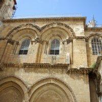 Фрагмент входа в Храм Гроба Господня в Иерусалиме :: Валерий Новиков