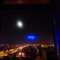 Тарелка  UFO светит лучше полной луны.. :: Alexey YakovLev