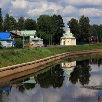 по берегу реки Тихвинки :: Сергей Кочнев