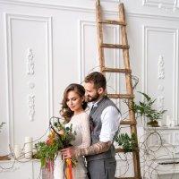 Первое объятие свадебного дня :: Виктор Зенин