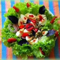 Не откушать ли салатику?)) :: Андрей Заломленков