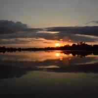 Закат два солнца. :: Виктор ЖИГУЛИН.