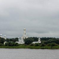 Комплекс зданий Юрьева монастыря В. Новгород :: Алексей Корнеев