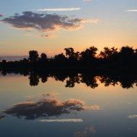 Закат на реке Дон. :: Виктор ЖИГУЛИН.