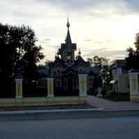 Церковь в Слюдянке :: Валентин Когун