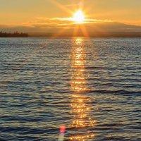 Закат над озером :: ВЛАДИМИР