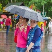 Красавицы под зонтом :: Дима Пискунов