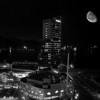 Лунная ночь в Йоссу :: Дмитрий Черницкий