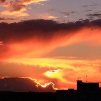 Полыхающие небеса :: Татьяна Ломтева
