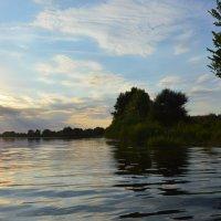 Вечер на реке Сухая. :: Виктор ЖИГУЛИН.
