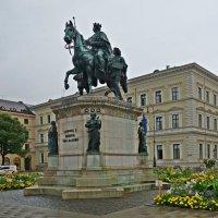 Конная статуя короля Людвига I (Мюнхен) :: Galina Dzubina