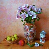 Альстромерия и фрукты :: Nina Yudicheva