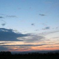 Сибирское небо на закате. :: Любовь Иванова
