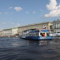 Дворцовая набережная с Невы :: Наталья
