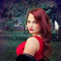 """""""я обернулся посмотреть - не обернулась ли она..."""" :: Александра Ломовцева"""