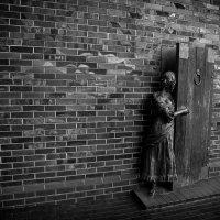 Дверь из ниоткуда... :: Виталий Старков