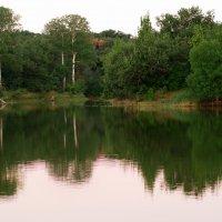 Рассвет на озере :: Илья