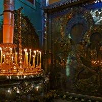 В старинной церкви Тихвина :: Наталья