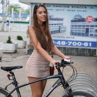 Велосипедистка :: Андрей Майоров