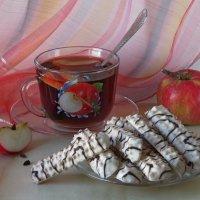 Чай с яблочным ароматом :: Татьяна Смоляниченко
