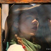 женская загадка в окошке старого трамвая :: Олег Лукьянов