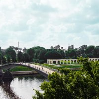 Пешеходный (горбатый) мост в Новгороде :: Алексей Корнеев