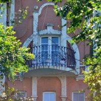 Балкон особняка Даттана :: Александр Морозов
