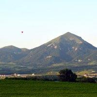 Бештау и воздушный шар :: Роман Небоян