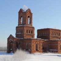 Храм заброшенный... :: Александр Широнин