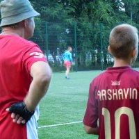 настоящий футбол начинается во дворах :: Ольга Заметалова