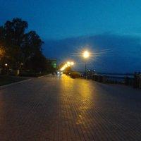 Вечером на набережной :: марина ковшова