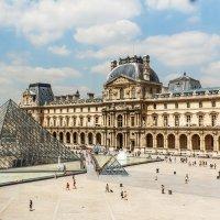 Вид из окна Лувра :: Вадим *