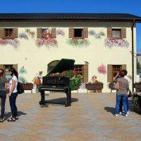 Дом с фресками :: Сергей Карачин