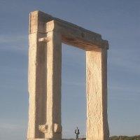 Остров Наксос - Портара - (дверь) ворота в никуда, косяк без двери. :: Оля Богданович