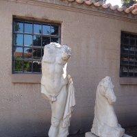 Скульптуры древней Греции (конь и его хозяин) :: Оля Богданович