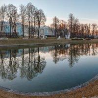 Екатерининский Парк Весной :: Александр Кислицын