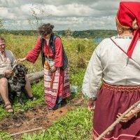 Время научить и научиться всех любить и щебетать о счастье! :: Ирина Данилова