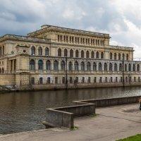 Здание фондовой биржи :: Игорь Вишняков