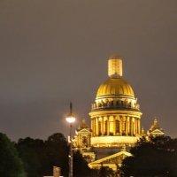 Исаакиевский собор ночью. :: Larisa Ereshchenko