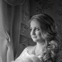 Стоит невеста у окна. :: ALISA LISA