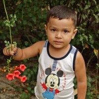 Мальчик с цветком :: Светлана