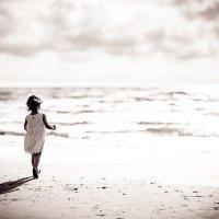 The Girl and the Sea :: Ruslan Bolgov