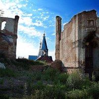 Из руин :: Alexandr