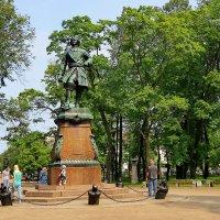 Памятник Петру Первому в Петровском парке :: Светлана